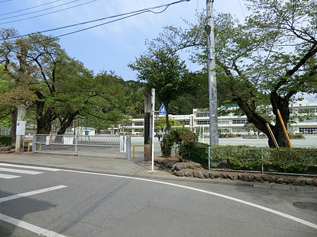 【周辺】 五日市小学校 徒歩12分