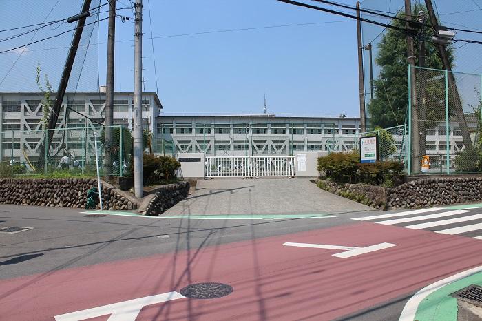【周辺】 青梅第二中学校 徒歩23分:基礎・基本が身に付く教育を目指しています。